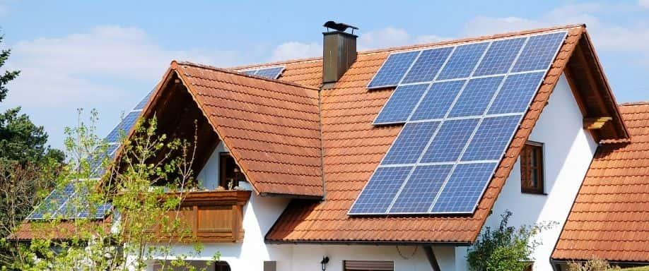 ¿Qué tipos de instalaciones solares existen?